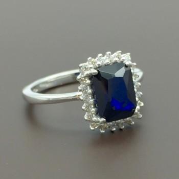 Λευκόχρυσο δαχτυλίδι